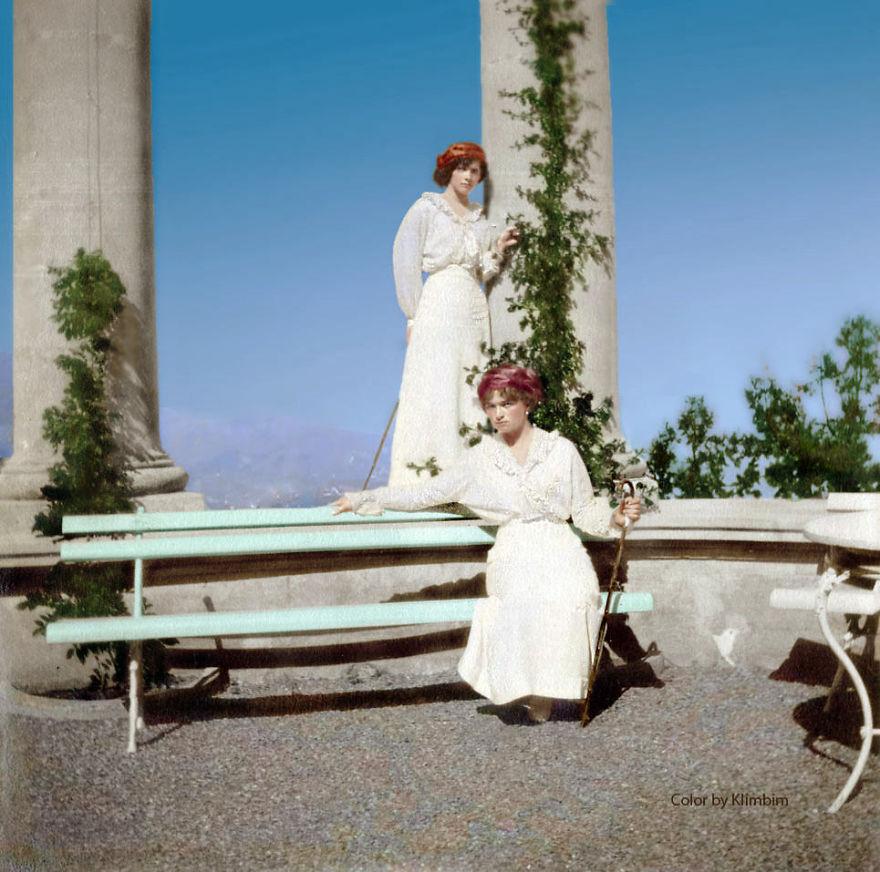 44. Княгини Ольга и Татьяна Романовы, Ливадия, Крым, 1914 год.