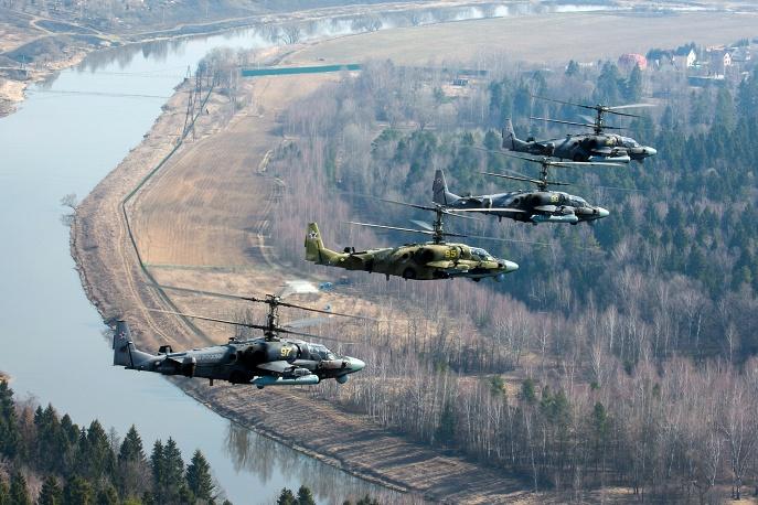 22. Военные вертолеты Ка-52 в Подмосковье.