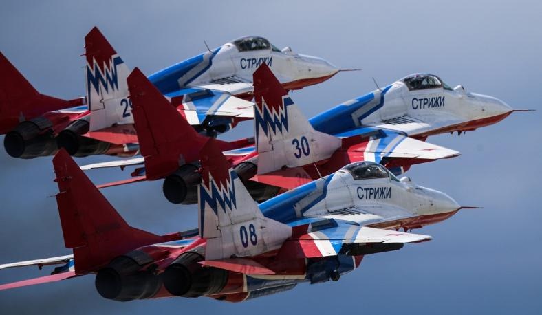 5. Миг 29 пилотажной над Кубинкой в Московской области.