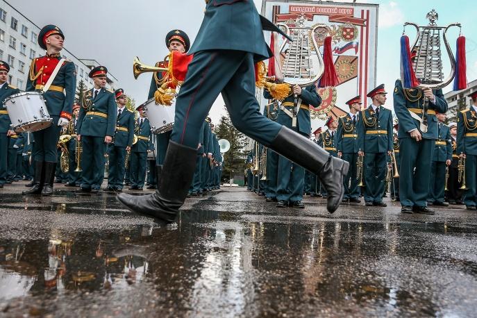 8. Оркестр – неотъемлемый атрибут каждого парада Победы.