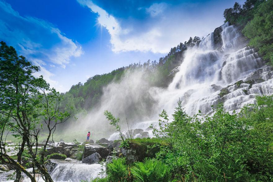 5. Водопад Твиндефоссен во время половодья.