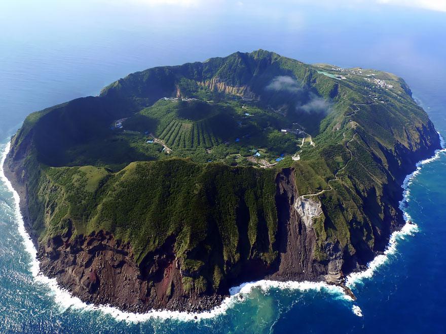 14. Остров Аогашима.