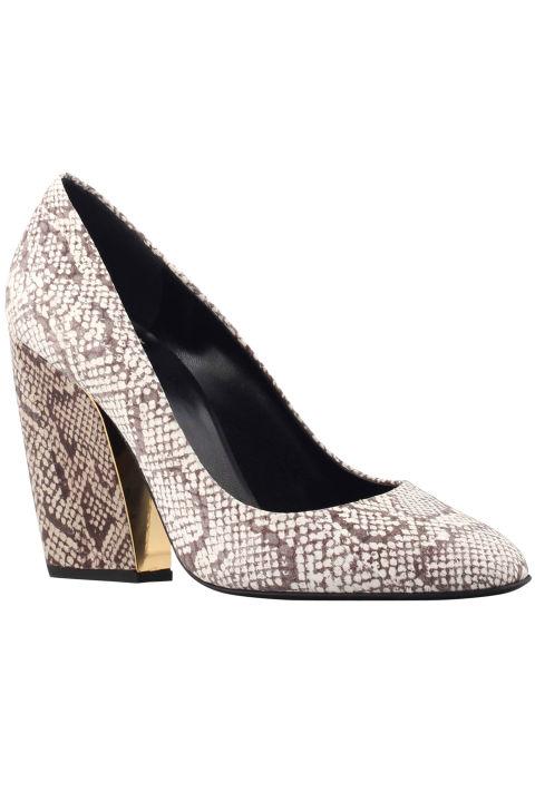 6. Туфли с животным принтом.