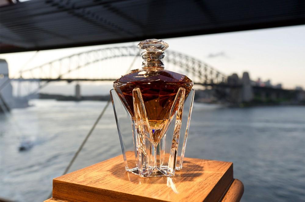 3. Виски Johnnie Walker – $165000.