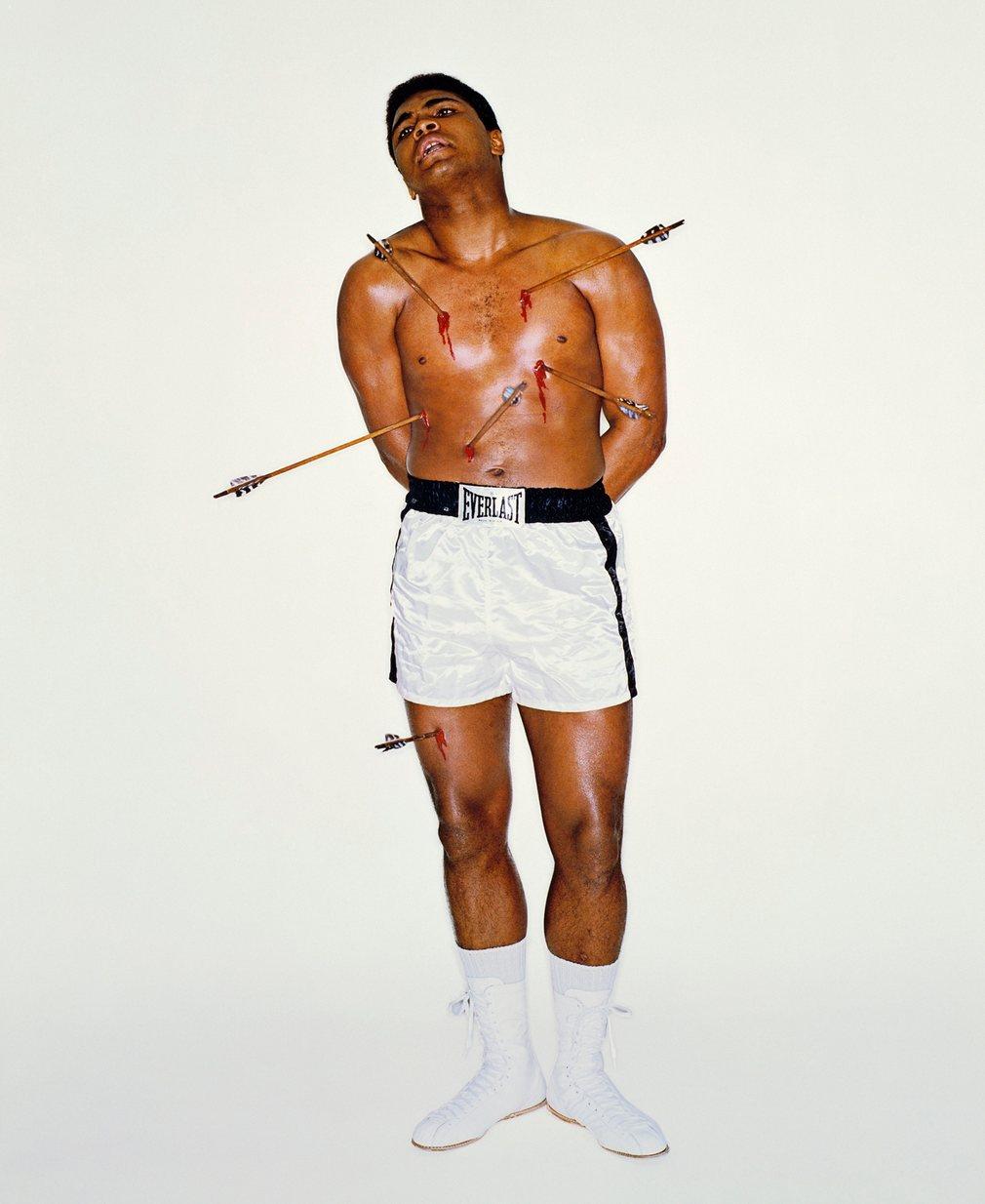 10. Обложка журнала Esquire. Фото символизирует гонение на Али после его позиции о войне во Вьетнаме.