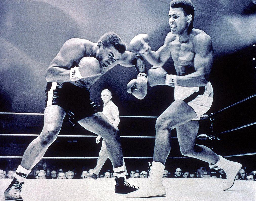 9. Али был достаточно высок для боксеров того времени (191 см) и очень быстр для тяжеловеса, чем он с успехом пользовался.