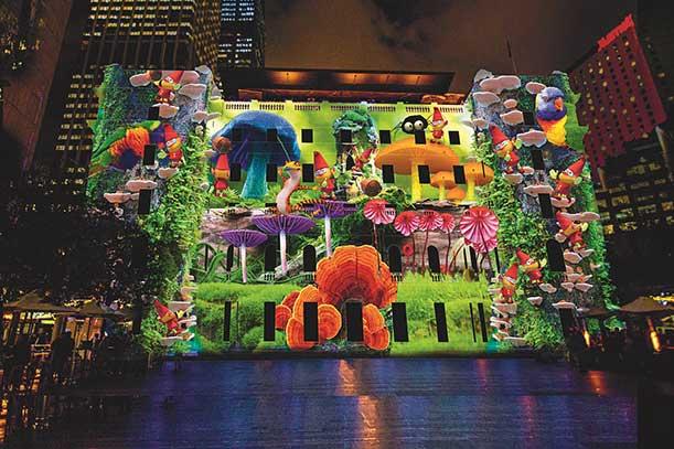 4. Также световое шоу затронуло избирательные участки и зоопарк, а также королевский ботанический сад.