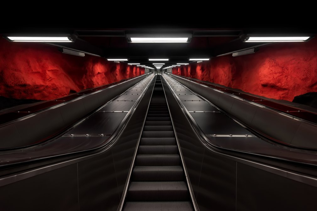 9. Эскалаторы на Solna Centrum.