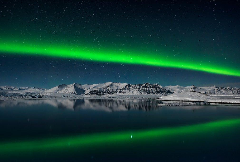 3. Джилс Рокхолл (Великобритания) - Северное сияние над Йёкюльсаурлоун, Исландия.