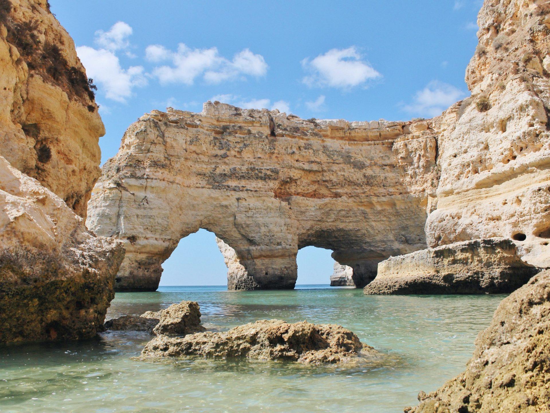 7. Пляж Прайа-де-Марина, Португалия.