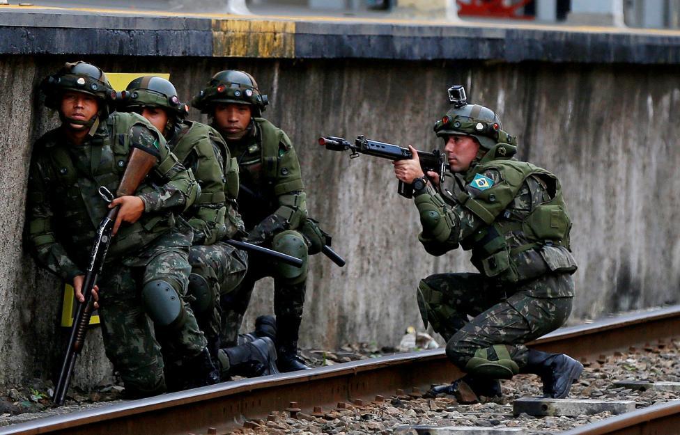 11. Учения имитирующие контртеррористическую операцию на железнодорожной станции.
