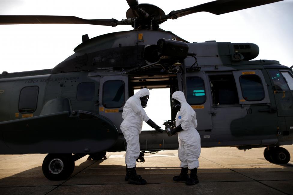 13. Военные отрабатывают поведение при химических, биологических, радиологических и даже ядерных атаках.