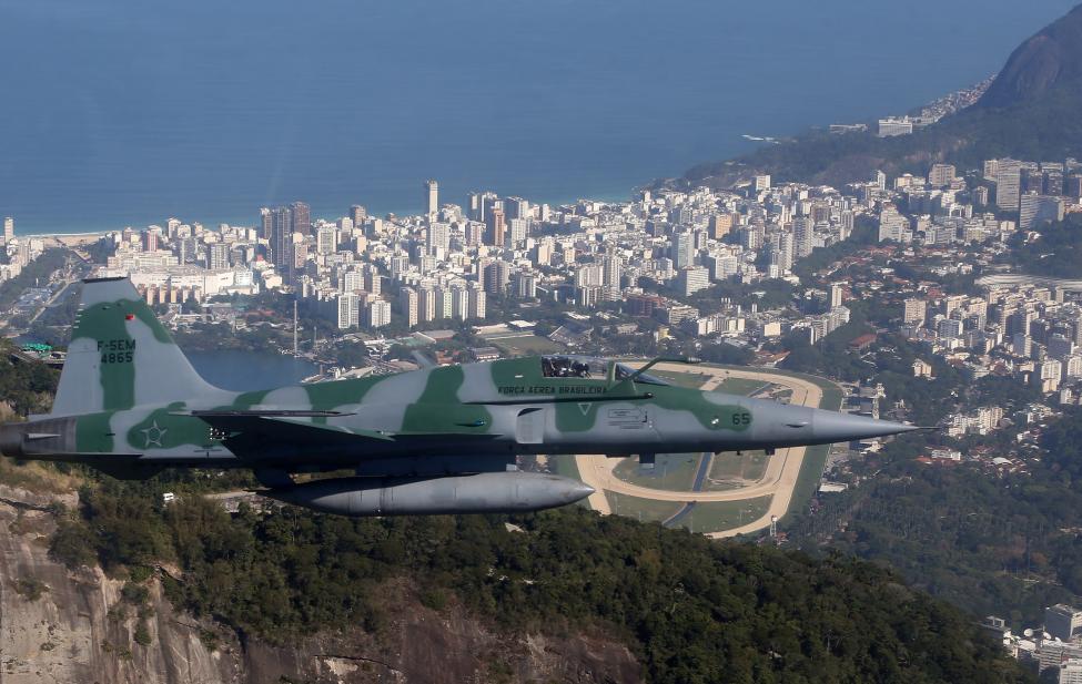 6. Небо во время проведения игр будут патрулировать бразильские ВВС.