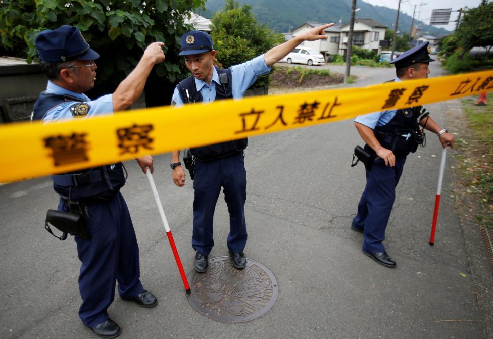 9. Несмотря на наличие как минимум восьми охранников, убийца остался незамеченным.