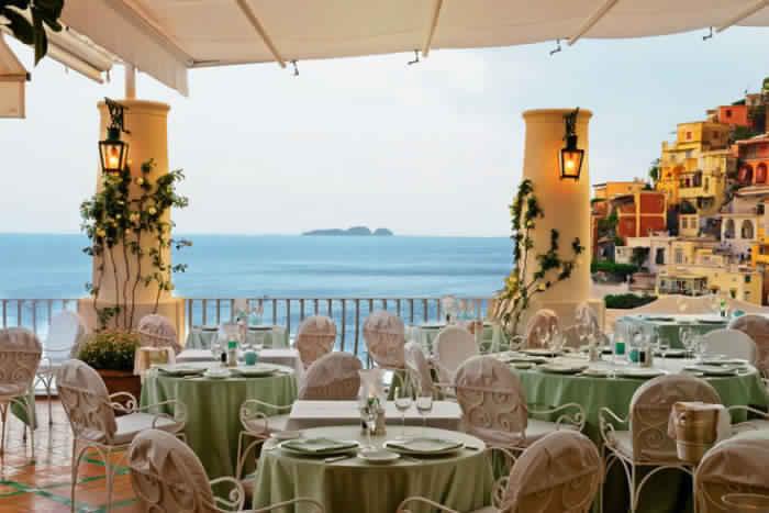 14. Ресторан La Sponda, Позитано, Италия.