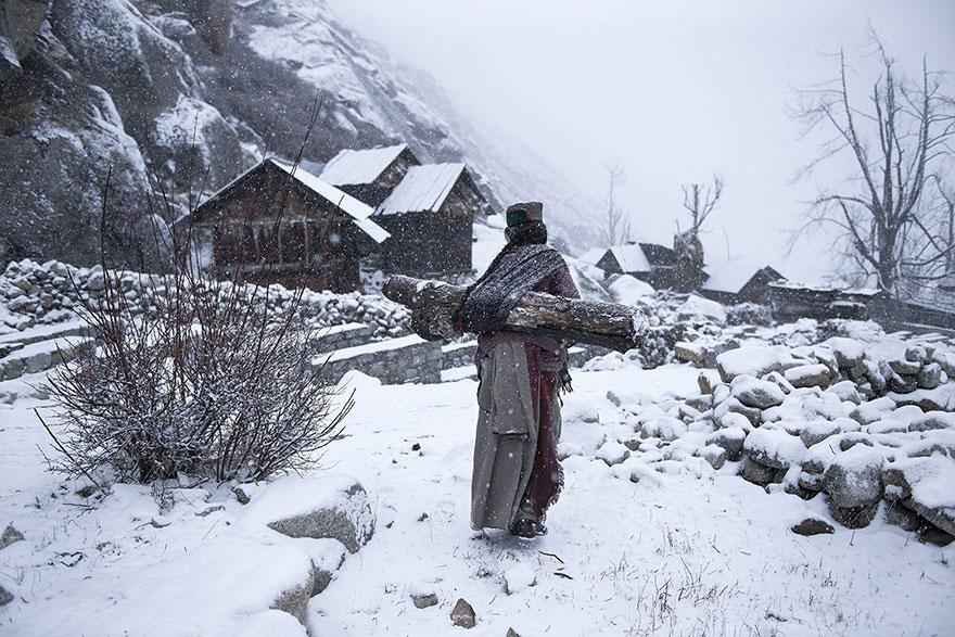 10. Третье место в номинации «Люди»: «Уединенная жизнь при -21», Химачал-Прадеш, Индия.