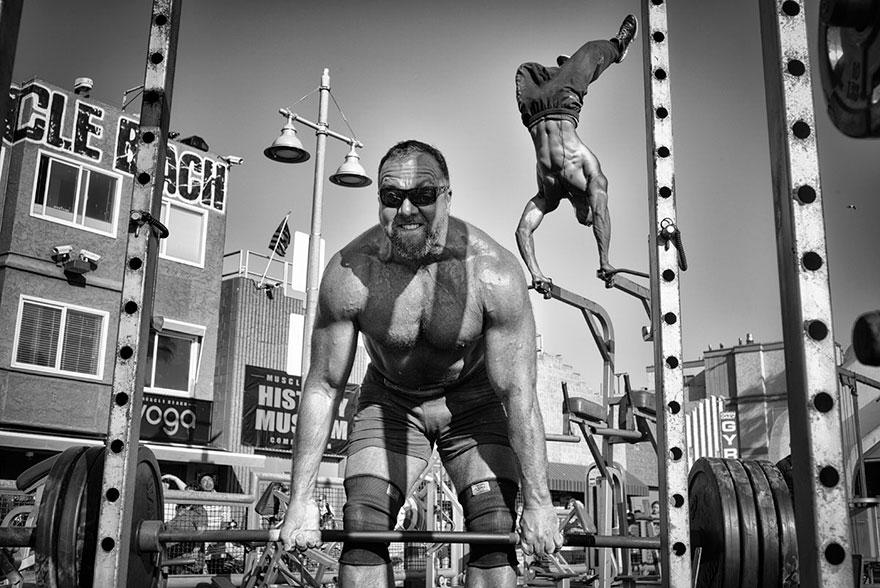 12. Поощрительный приз в номинации «Люди»: «Пляж мускулов», Венис-Бич, Калифорния, США.