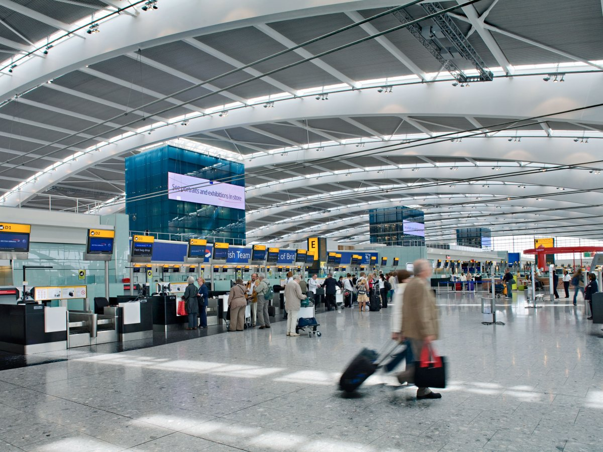 11. Аэропорт Хитроу. Пассажирооборот – 74 989 795 пассажиров.