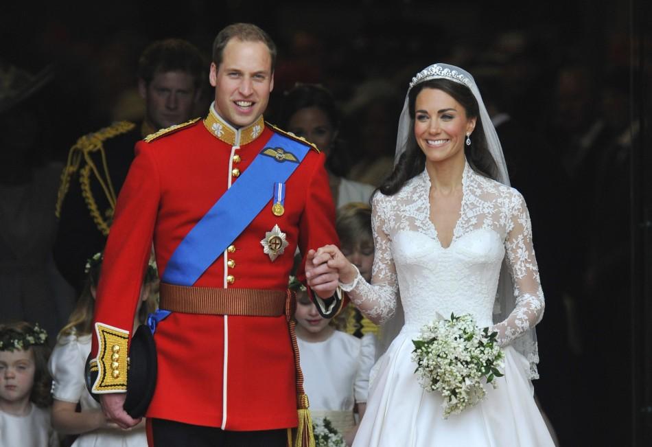 4. Кейт Миддлтон и принц Уильям ($ 34 млн). Многие голливудские актеры и актрисы были приглашены на эту свадьбу.