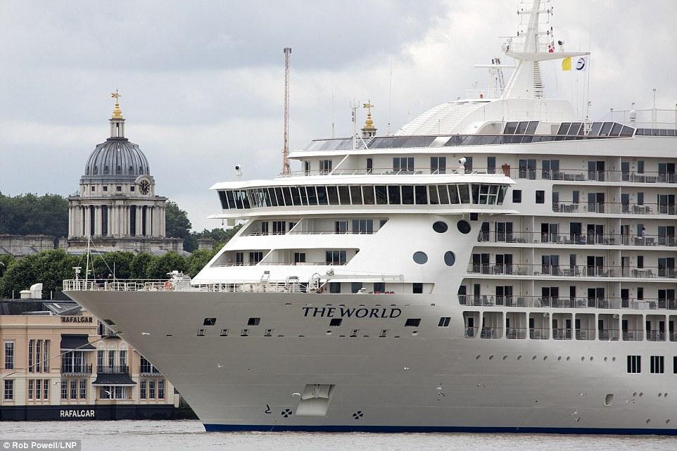 6. За четыре года судно может посетить более 900 портов в более чем 140 странах, если будет плыть с максимальной скоростью 18,5 узлов (34 км/ч).
