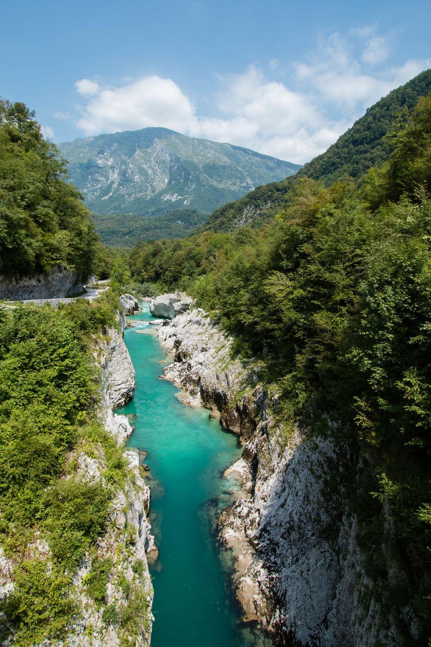 19. Река Соча, Словения.