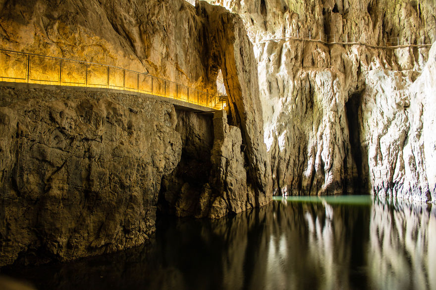 21. Пещеры Шкоцьян, Словения.