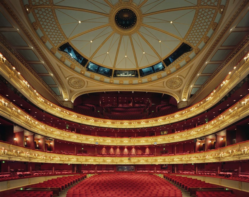 1. Королевский театр Ковент-Гарден. В этом лондонском театре проводят балетные и оперные спектакли.