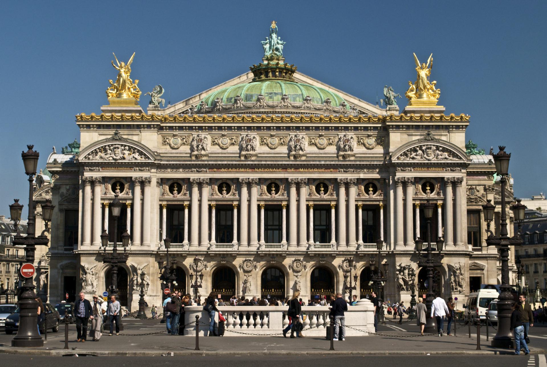 11. Опера Гарнье в Париже. Известнейший театр оперы и балета в мире.