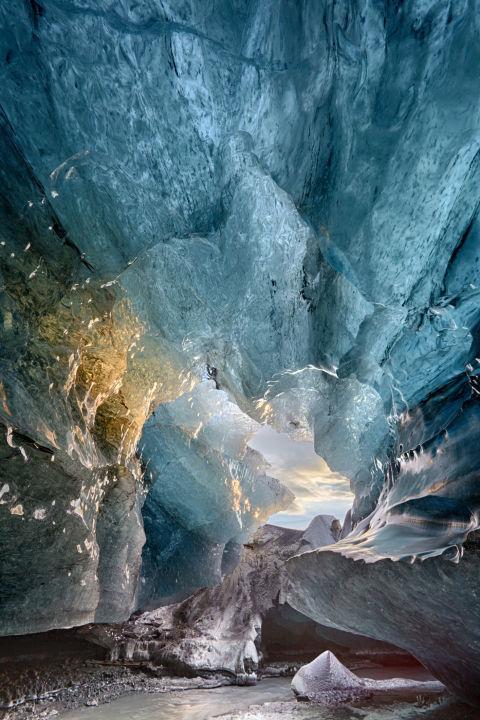 11. Ледяная пещера.
