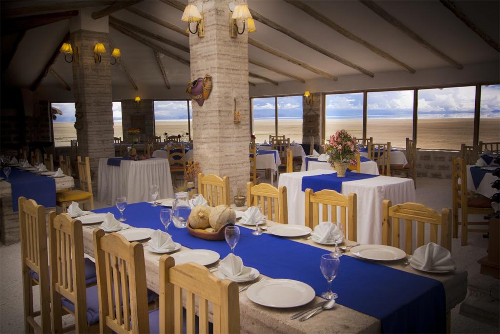 9. В ресторане Tunupa отеля можно провести вечер в веселой компании. Там подают настоящую андскую кухню и можно попробовать разные сорта вин.