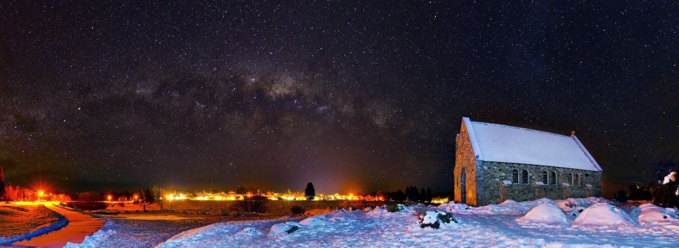 15. «Млечный Путь над церковью Доброго Пастыря» (Новая Зеландия).