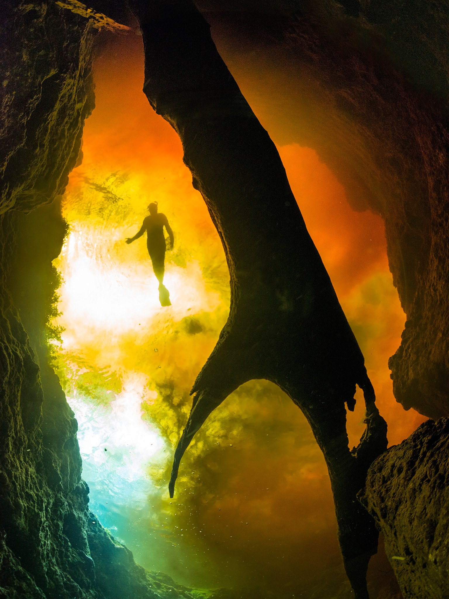 3. Подводная пещера Джинни Спрингс, Флорида, США.