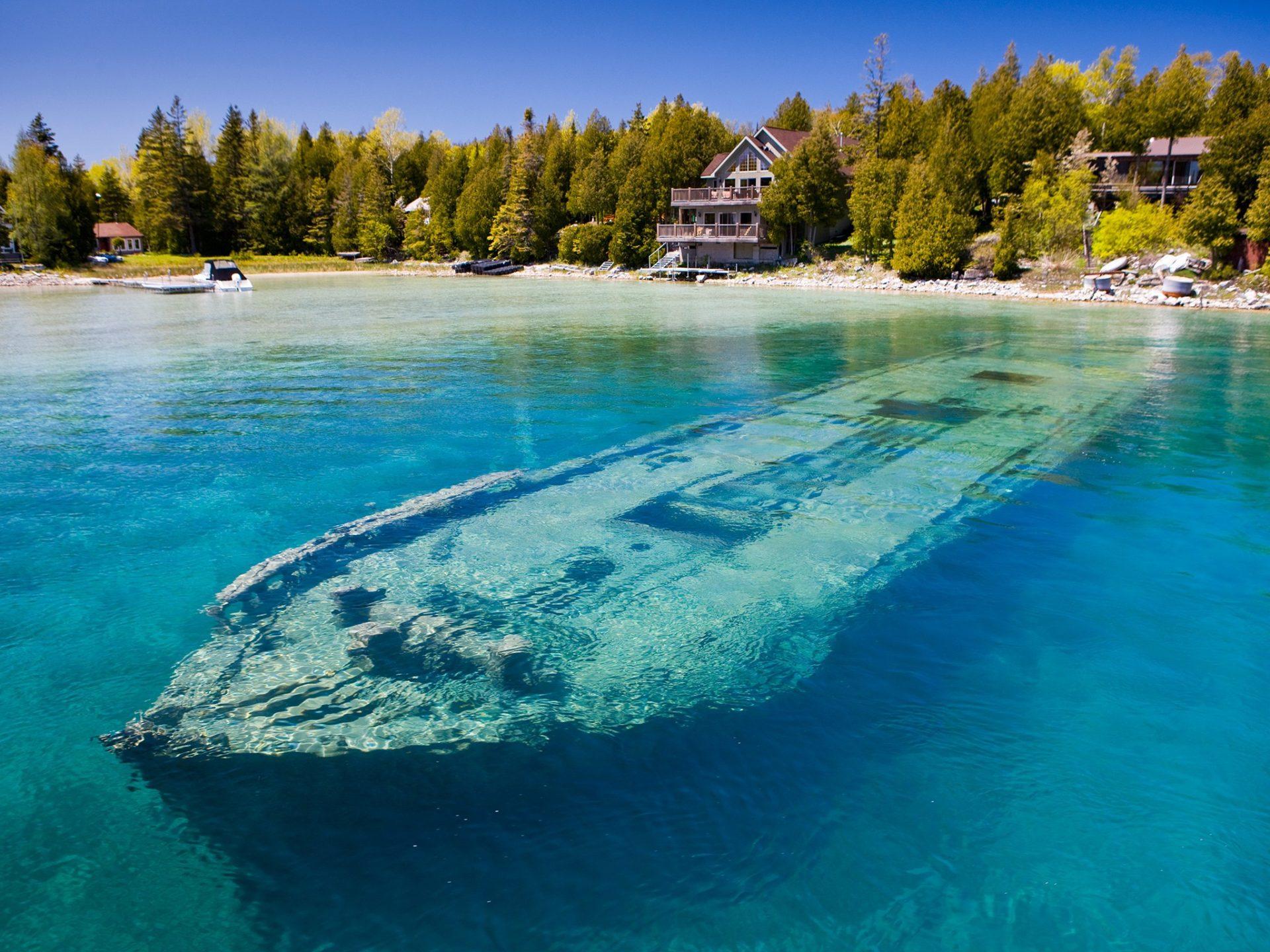 4. Затонувшая шхуна Sweepstakes, озеро Гурон, Канада.