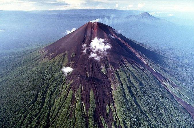 3. Улавун, Папуа-Новая Гвинея.