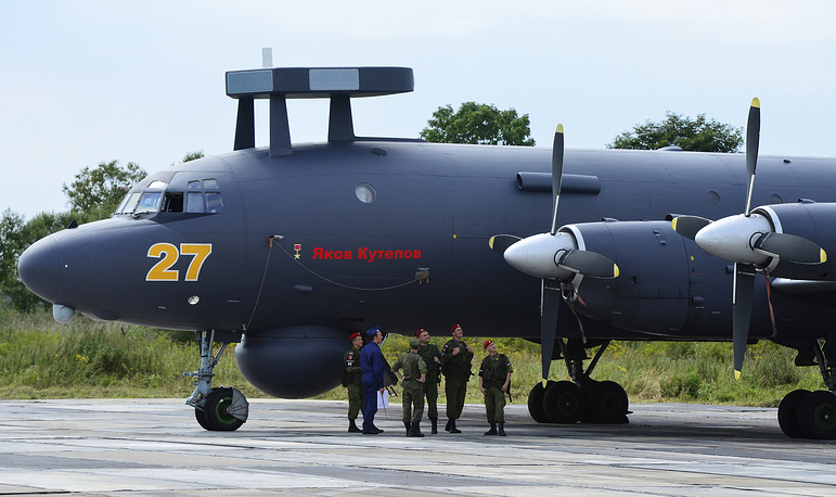 14. Ил-38Н - морской патрульный самолёт для ведения подводной, надводной и воздушной разведок, целеуказания,радиотехнической разведки и радиоподавления.