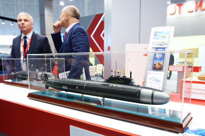 6. Макет атомной подводной лодки «Ясень».