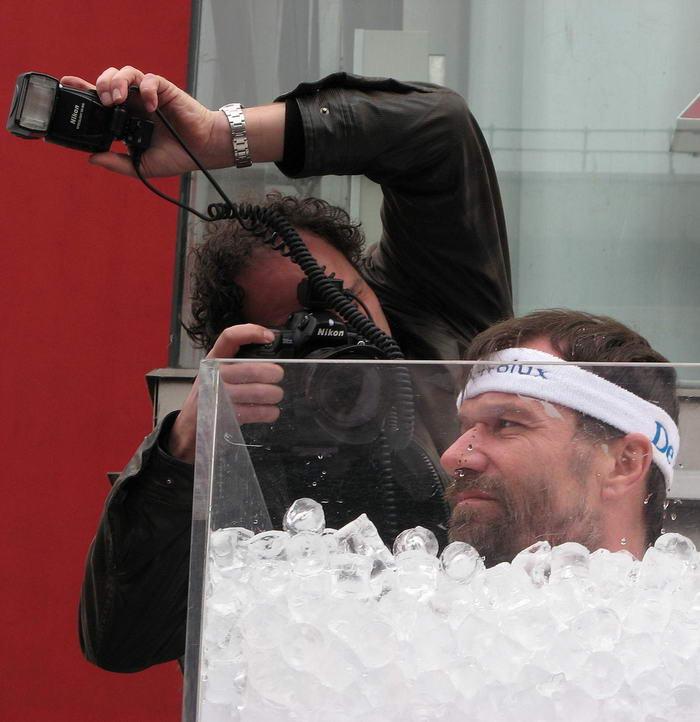 1. Самое продолжительное пребывание человека в непосредственном контакте со льдом.