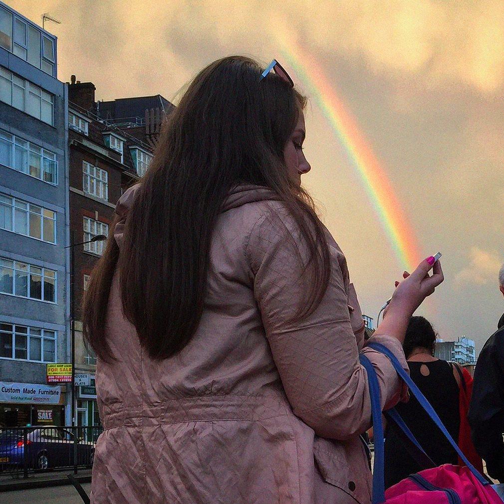 9. Радуга в Лондоне. Фотография: @oggsie.