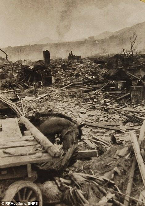 2. Эти фото были сделаны на следующий день после бомбардировки Нагасаки.