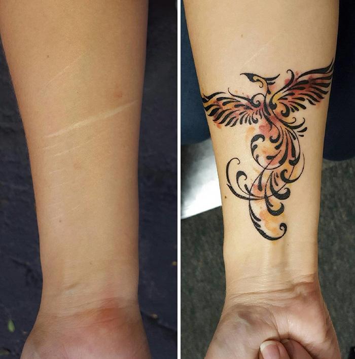 2. Этот акварельный феникс скрывает шрамы, нанесенные человеком себе самому.