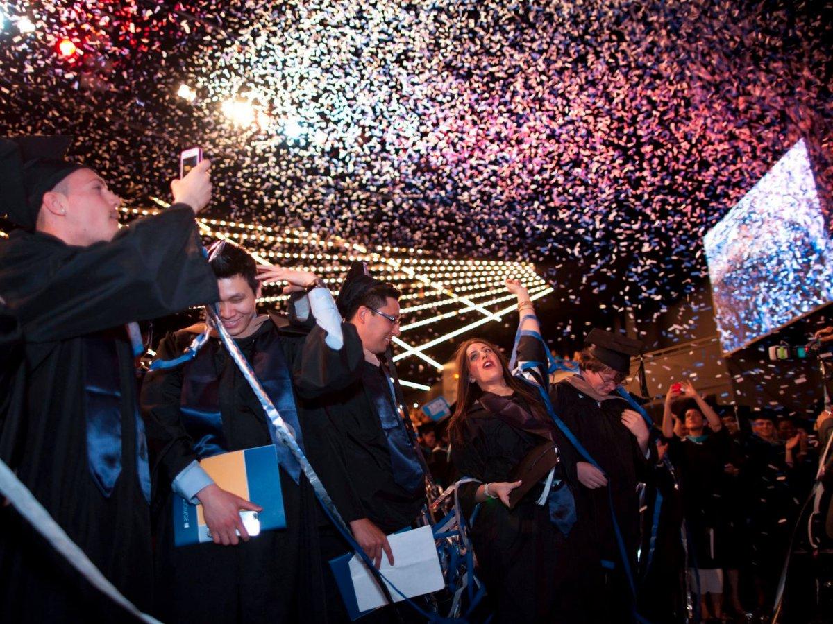 4. Барух Колледж – колледж в Нью-Йорке. Процент выпускников работающих на Уолл-Стрит – 2%. А еще этот колледж закончила Дженнифер Лопес.