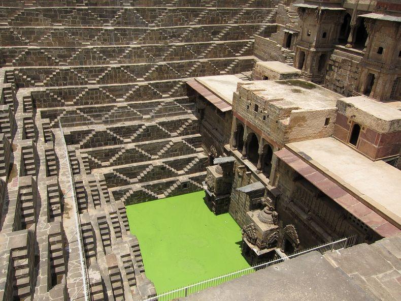 6. Сегодня колодец представляет собой значимый архитектурный объект, которому уже более 1000 лет.