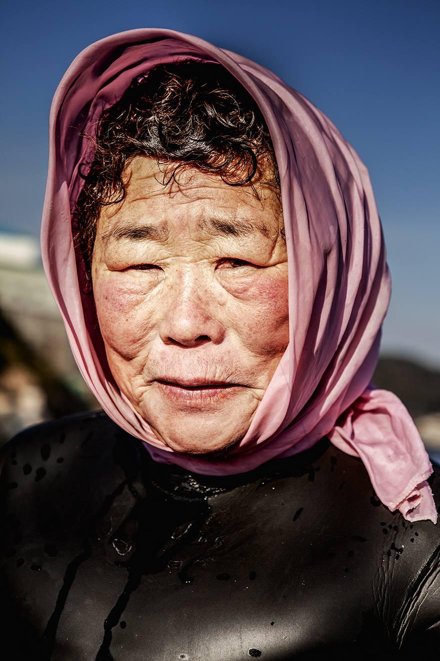 6. Численность хэнё неуклонно сокращается, ведь молодые кореянки переезжают на материк, чтобы получить там образование и найти работу.