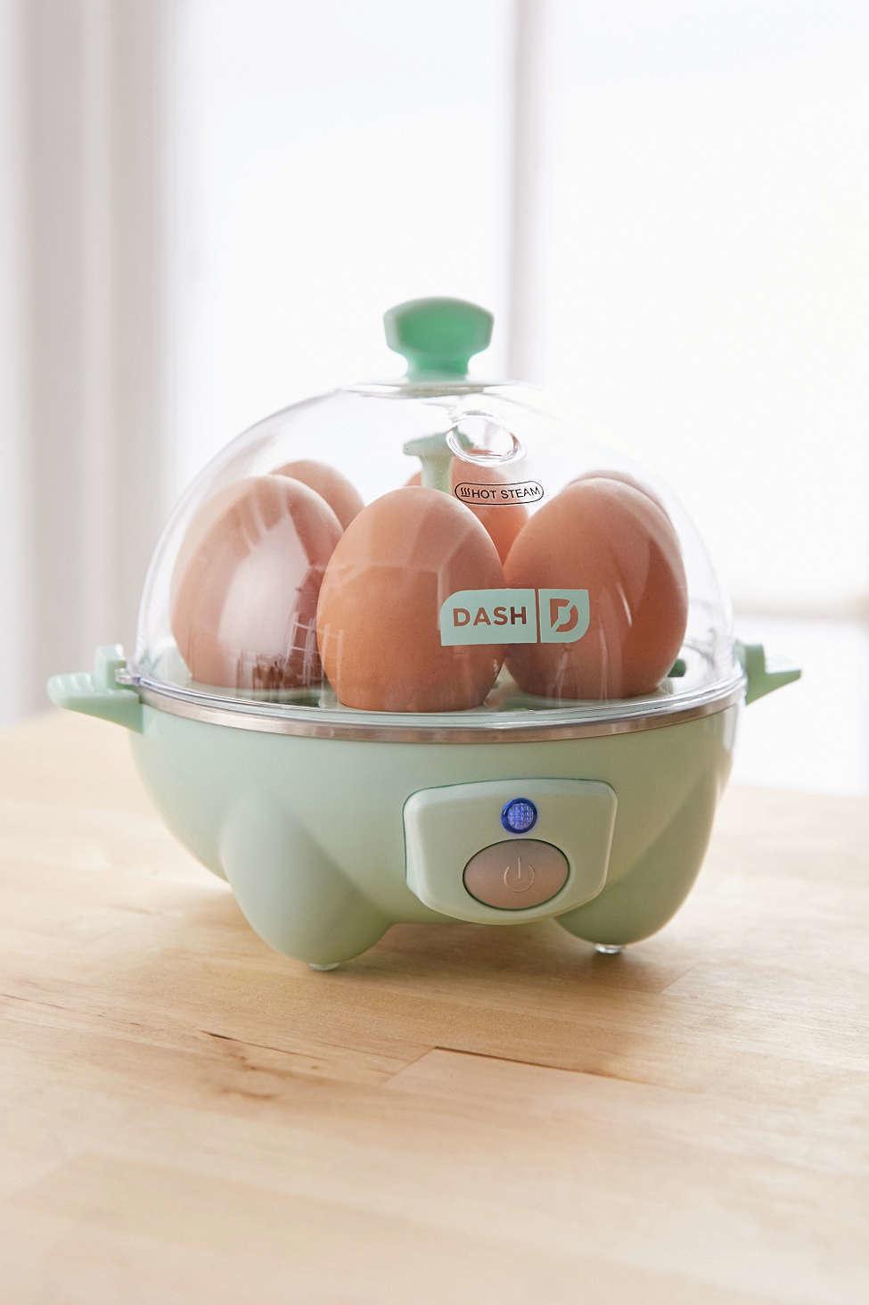 9. Яйцеварка. Варит яйца быстро и легко.
