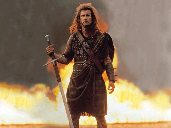 1. В Храбром Сердце Уильям Уоллес носит килт. Однако килты появились в Шотландии только после 16-го века, а Уильям Уоллес жил в конце 12-го.