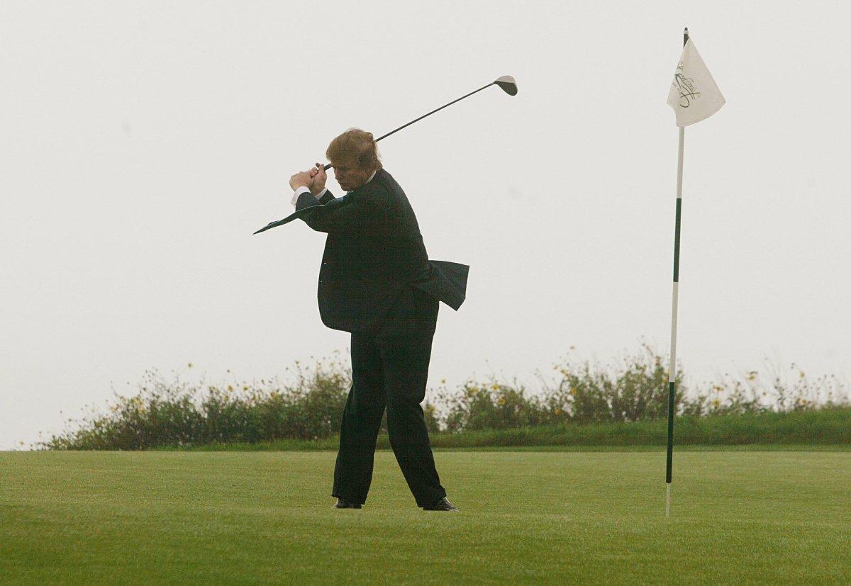 12. Трамп владеет 15 полями для гольфа.