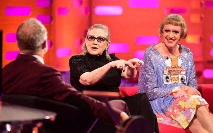 12. Фото сделанное за несколько недель до смерти актрисы. Кэрри Фишер на BBC чат-шоу Грэма Нортона.