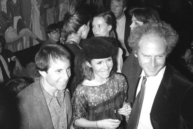 8. Кэрри Фишер с бывшим мужем, музыкантом Полом Саймоном.
