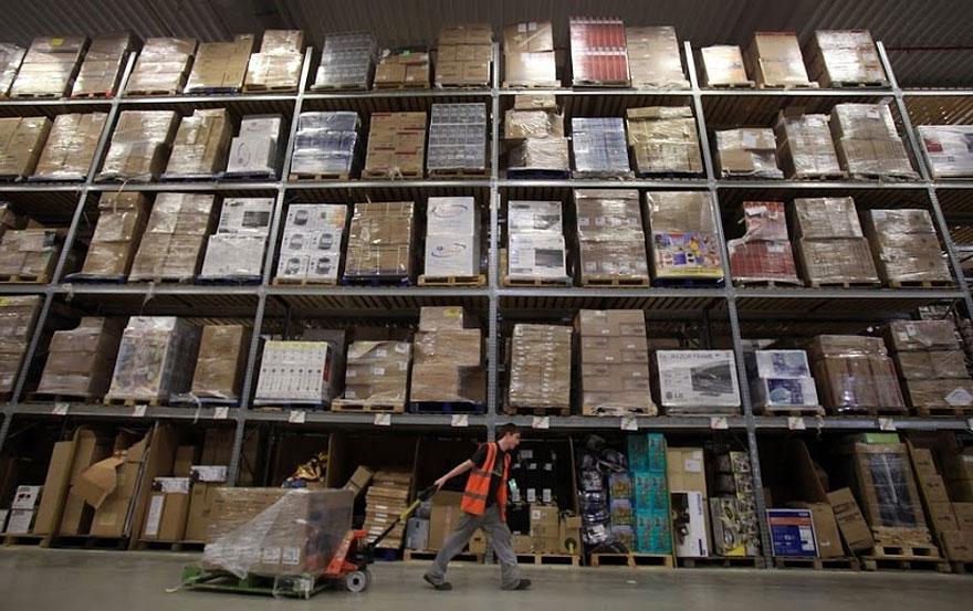 7. Преимущество хаотичной системы хранения в том, что она более гибкая в сравнении с обычными системами хранения. Если происходит крупное изменение в ассортименте, компании не надо планировать отдельные места под новые товары заранее.