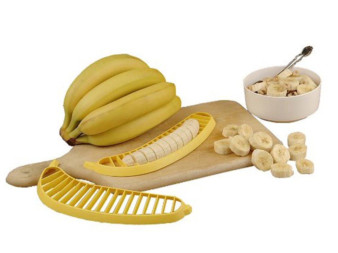 4. Пока вы будете прикладывать банан к этой бананорезке, хорошая хозяйка уже нарежет банан обычным ножом.